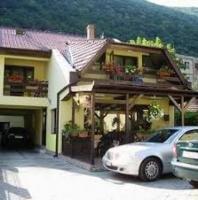 Casa Adriana . Cazare Băile Herculane-Caras Severin