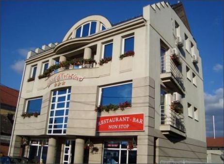 Hotel Christine 3*. Cazare Târgu Secuiesc-Covasna